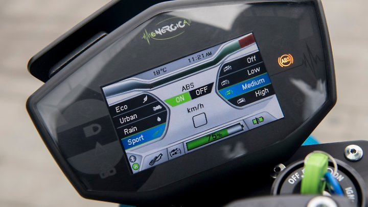 Total digital: Das Cockpit der Energica Eva EsseEsse9.