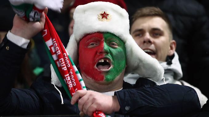"""""""Und, was glaubst du - hat Juri Krasnoschan damals das Spiel gegen Anschi Machatschkala manipuliert oder nicht?"""" Fan von Lokomotive Moskau."""