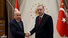 Türken stimmen im Juni ab: Erdogan kündigt vorgezogene Wahlen an
