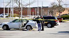 Mädchen findet Waffe in Auto: Dreijährige schießt auf schwangere Mutter