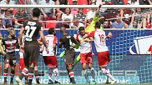 2. Liga: Regensburg jagt Kiel: St. Pauli wankt mächtig, Darmstadt hofft