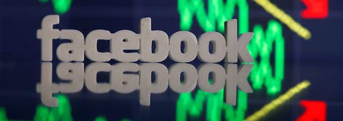 Anleger hinterfragen die explodierenden Börsenkurse von Facebook, Apple und Co. zunehmend.