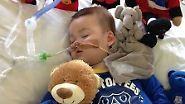 Weiterbehandlung im Vatikan?: Todkranker Junge Alfie darf nicht ausgeflogen werden