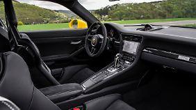 Der Innenraum bleibt auch beim GT3 RS typisch Porsche.