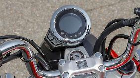 """Der """"Rundtacho"""" der Honda Monkey besteht aus einer digitalen Displayanzeige."""