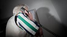 Bei Anruf: Werbung: Netzagentur geht gegen Telefon-Abzocke vor