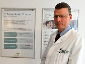 Privatdozent Hans Jörg Stürenburg, Chefarzt Neurologie an der Klinik Niedersachsen.