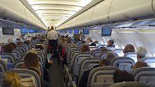 Fluggesellschaften überbuchen ihre Maschinen routinemäßig.