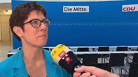 """Kramp-Karrenbauer im n-tv Interview: """"Das Kreuz hängt im Adenauerhaus eine Etage höher"""""""