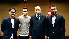 """""""Respekt vor dem Amt"""": Gündogan verteidigt sich und Özil"""