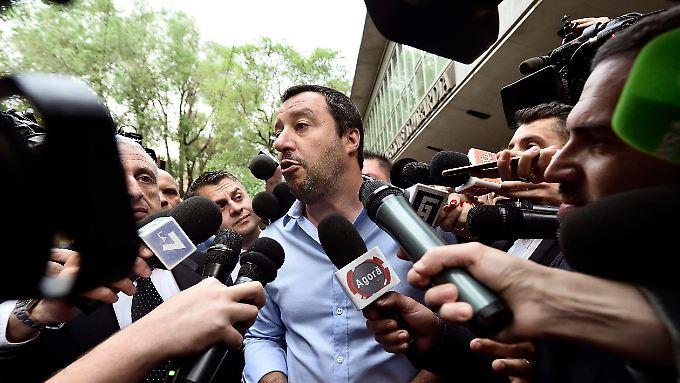 Matteo Salvini von der Lega verhandelt mit Luigi Di Maio von den Fünf Sternen.