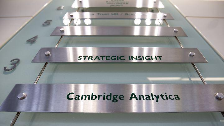 Durch Cambridge Analytica könnten Daten von 87 Millionen an russische Geheimdienste gelangt sein.