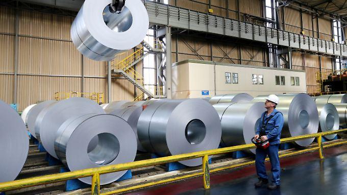 Thyssenkrupp soll jährlich rund 500.000 Tonnen Stahl in die USA liefern - bei einer Jahresproduktion von elf bis zwölf Millionen Tonnen.