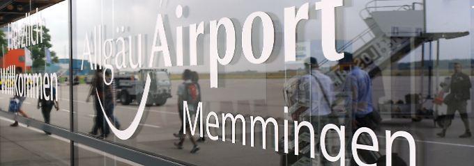 Strafe statt Strand: Polizei stellt Schulschwänzer am Flughafen