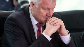 Konsequenz aus Bamf-Affäre: Seehofer erteilt Bremer Behörde Asylentscheid-Verbot