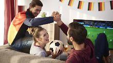 Fit für die Fußball-WM: Diese Fernseher empfiehlt Warentest