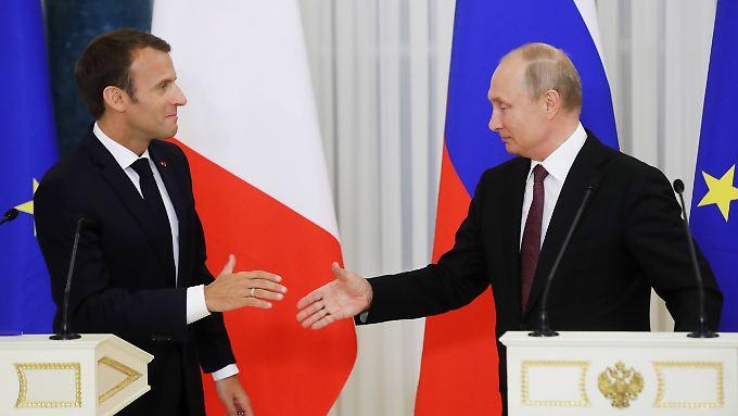 Macron reiste mit dem Ziel nach St. Petersburg, Russland stärker an Europa zu binden.