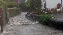 Starkregen auch in Berlin: Altstadt von Soest teils überschwemmt