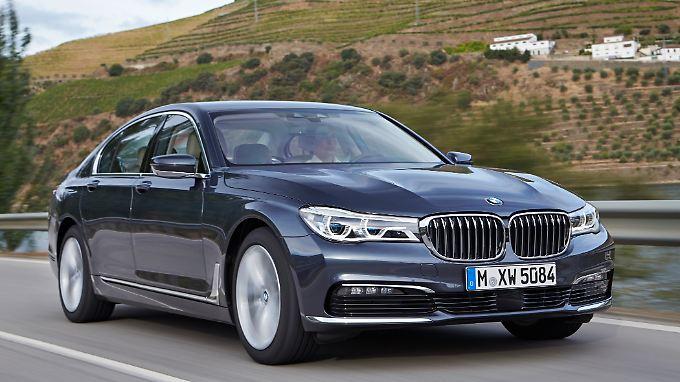 BMW hat momentan den 7er als Benziner vom Markt genommen.