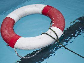 Mehr als die Hälfte der Grundschüler in Deutschland kann nicht richtig schwimmen.