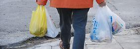Mehrere Milliarden Tüten gespart: Verbrauch von Plastiktaschen geht zurück