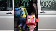 Weg mit dem Elterntaxi!: Warum Kinder zur Schule laufen sollten