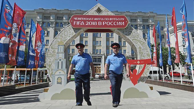 Willkommen zur WM! Leider sind nicht alle Aufpasser so friedlich wie auf diesem Bild, warnt Katrin Scheib.