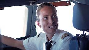 """Man gehört zu einer Seltenheit"": Antje Schäper steuert weltgrößtes Passagierflugzeug"