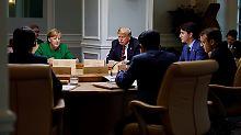"""""""Messer in den Rücken gestoßen"""": Trump-Berater legt nach Gipfel-Eklat nach"""