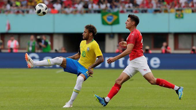 Zuschauen und staunen - Neymar und Brasilien zeigen sich gegen Österreich in Spiellaune.