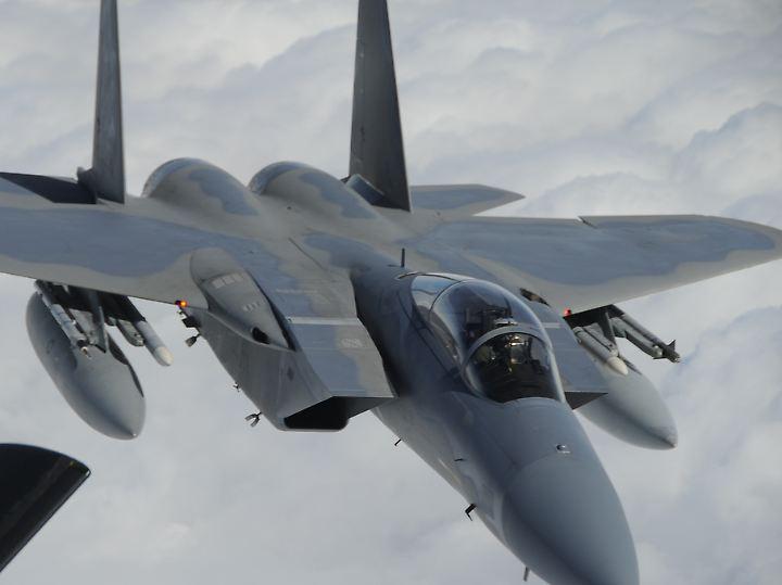 Routineflüge über dem offenen Meer: Von der Kadena Air Base aus fliegen US-Piloten Übungs- und Aufklärungseinsätze.