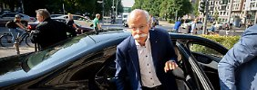 Dieter Zetsche muss erneut beim Bundesverkehrsminister antreten.