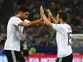 Beim Confed Cup 2017 feiern die Deutschen einen 4:1-Sieg gegen Mexiko.