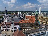 Sorge vor Eskalation: Chemnitzer Polizei sucht Bewaffneten