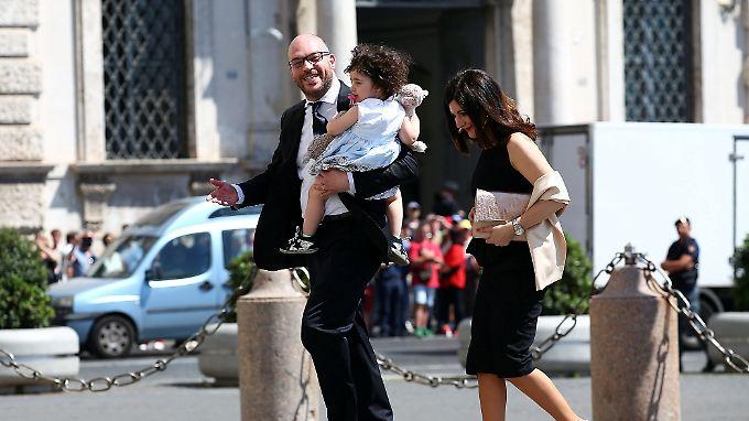 Fontana, hier mit Kind und Frau, hält nur traditionelle Familien für echt.