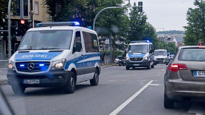 Mit über 200 Beamten sucht die Polizei nach dem Mann, auch in Chemnitz.