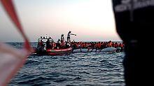 Seefahrtsrecht bei Notfällen: Macron attackiert Conte für Flüchtlingspolitik