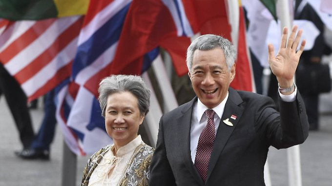 Lee Hsien Loon ist  Premierminister Singapurs. Das Foto zeigt ihn mit seiner Frau Ho Ching.