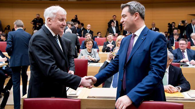 Markus Söder wirbt für den Seehofer-Plan.