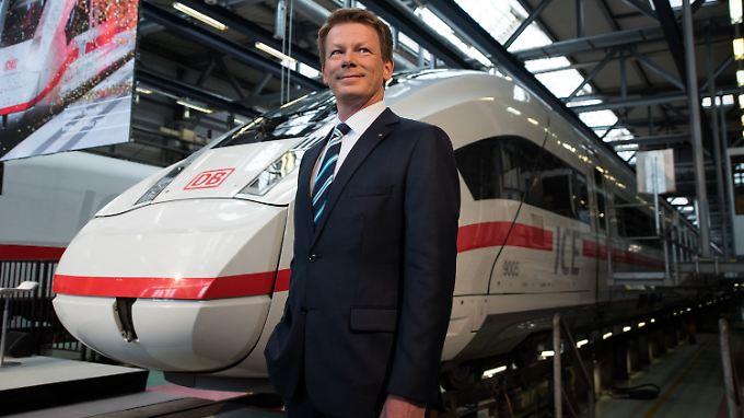 """Vorstandschef Richard Lutz """"spielt auf Angriff""""."""