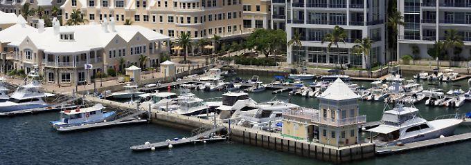 Auf den Bermuda Inseln verbuchte beispielsweise eine Briefkastengesellschaft von Google 2016 einen Gewinn von 16 Milliarden Euro. Steuerersparnis: geschätzt 3 Mrd. Euro