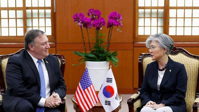 Pompeo mit seiner südkoreanischen Amtskollegin Kang.