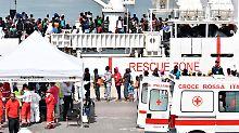"""Streit um """"Aquarius"""": Frankreich will Schiffsflüchtlinge aufnehmen"""