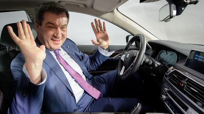 """""""Eines ist ganz klar: Bayern ist Autoland und daher sind wir gegen Fahrverbote"""", sagt Ministerpräsident Söder."""