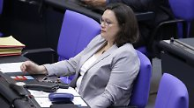 Große Koalition noch unbeliebter: Neue Umfrage sieht AfD vor SPD