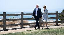Frank-Walter Steinmeier und seine Frau Elke Büdenbender gehen zwischen zahlreichen Terminen an der Küstenpromenade von Santa Monica spazieren.