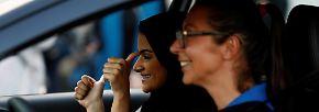 """""""Es wird mein Leben verändern"""": Saudi-Arabien lässt Frauen ans Steuer"""