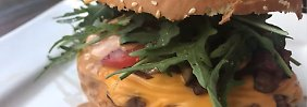 Die Frau am Grill: 5.7. Cheeseburger im BLT-Style, im was?