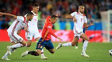Kräftig ins Stolpern geraten sind die Spanier gegen Marokko.