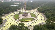Kohle-Protest an der Siegessäule: Greenpeace färbt Berlins Straßen gelb